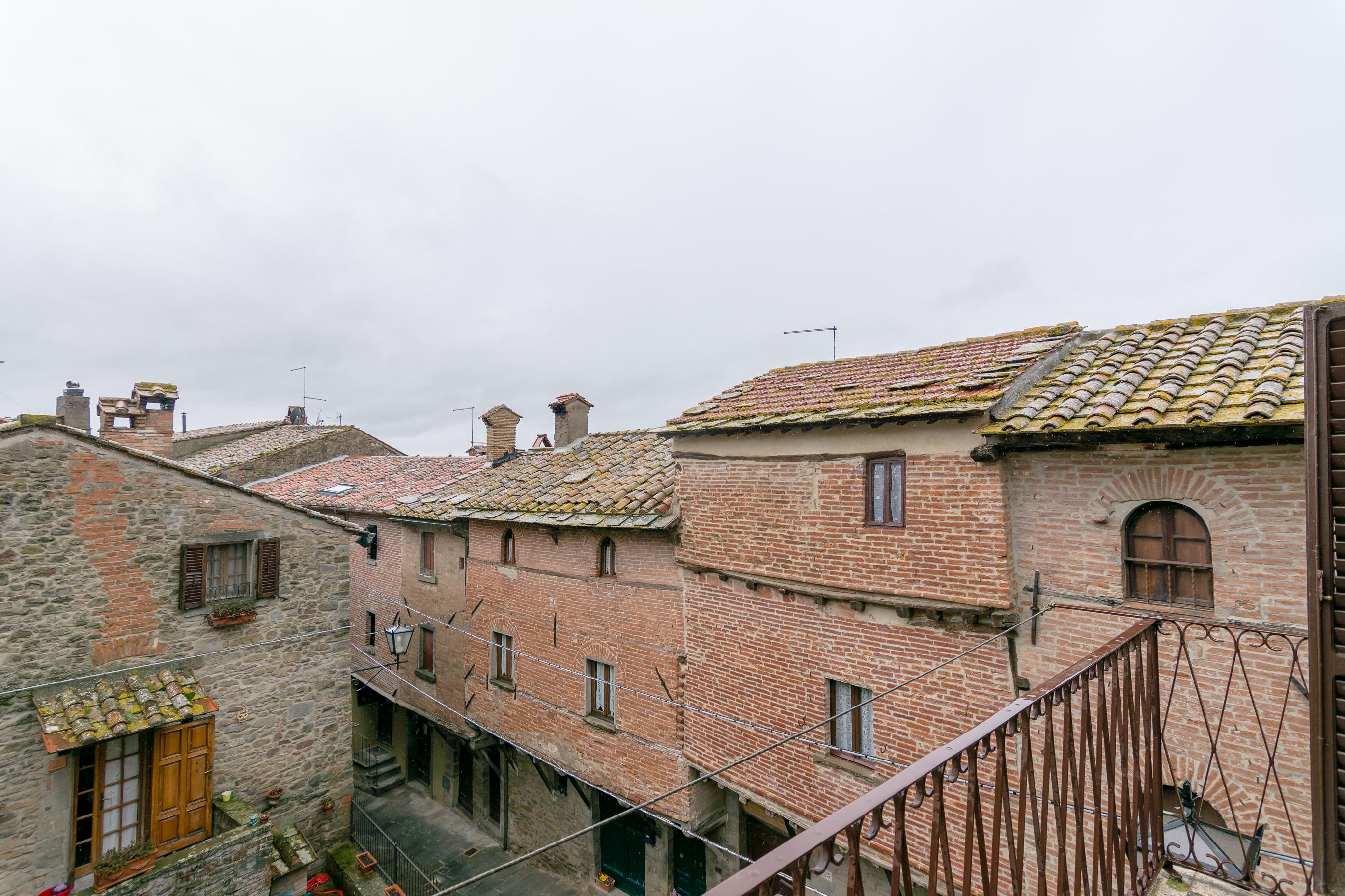 Il balcone sulla via antica