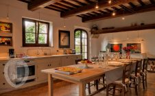 Dining room - Farmhouse in the vineyards
