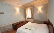 Camera da letto appartamento centro storico a Cortona
