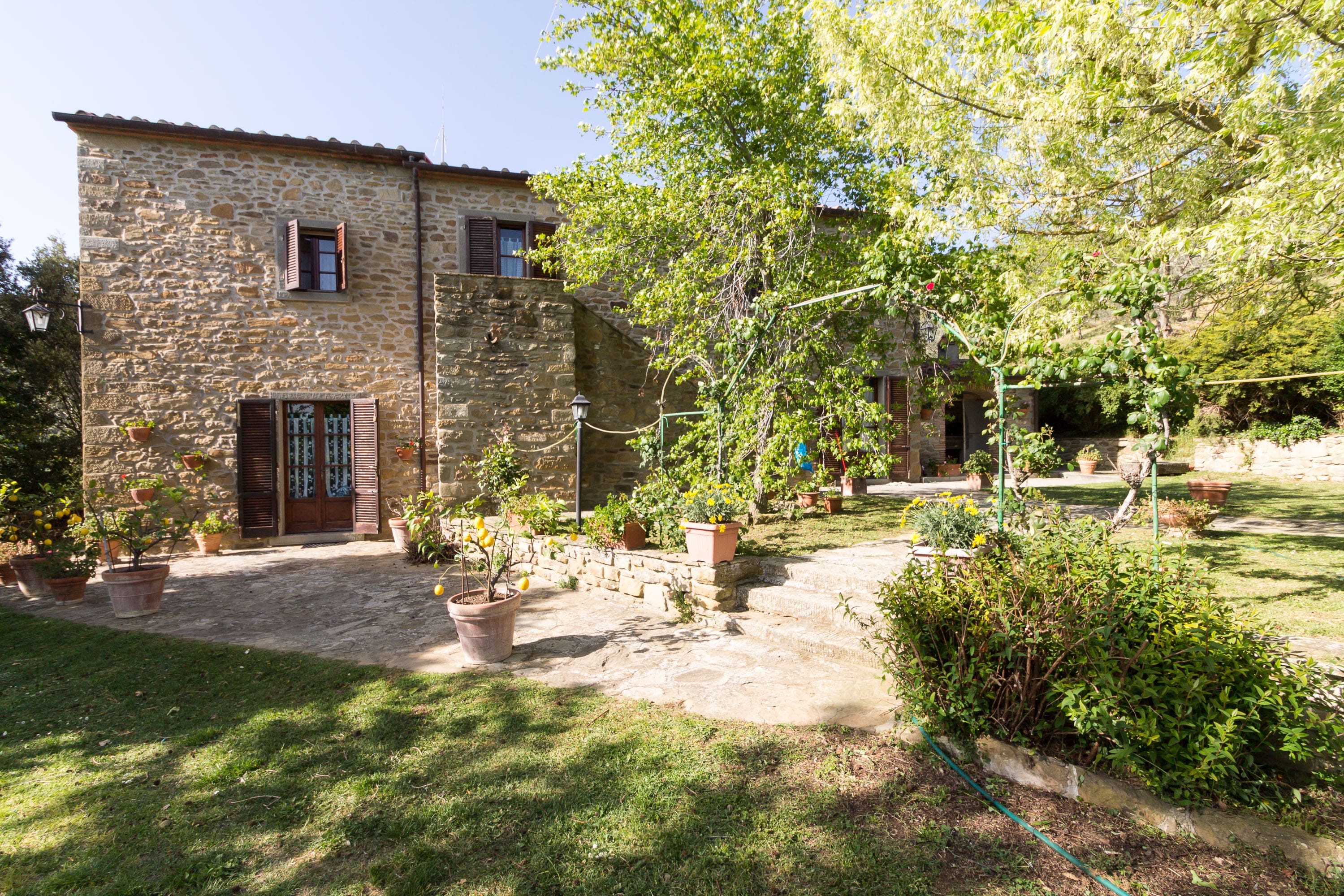 Panoramic farmhouse with annex