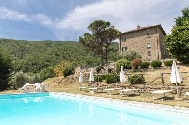 Fantastic hamlet in the Cortona hills