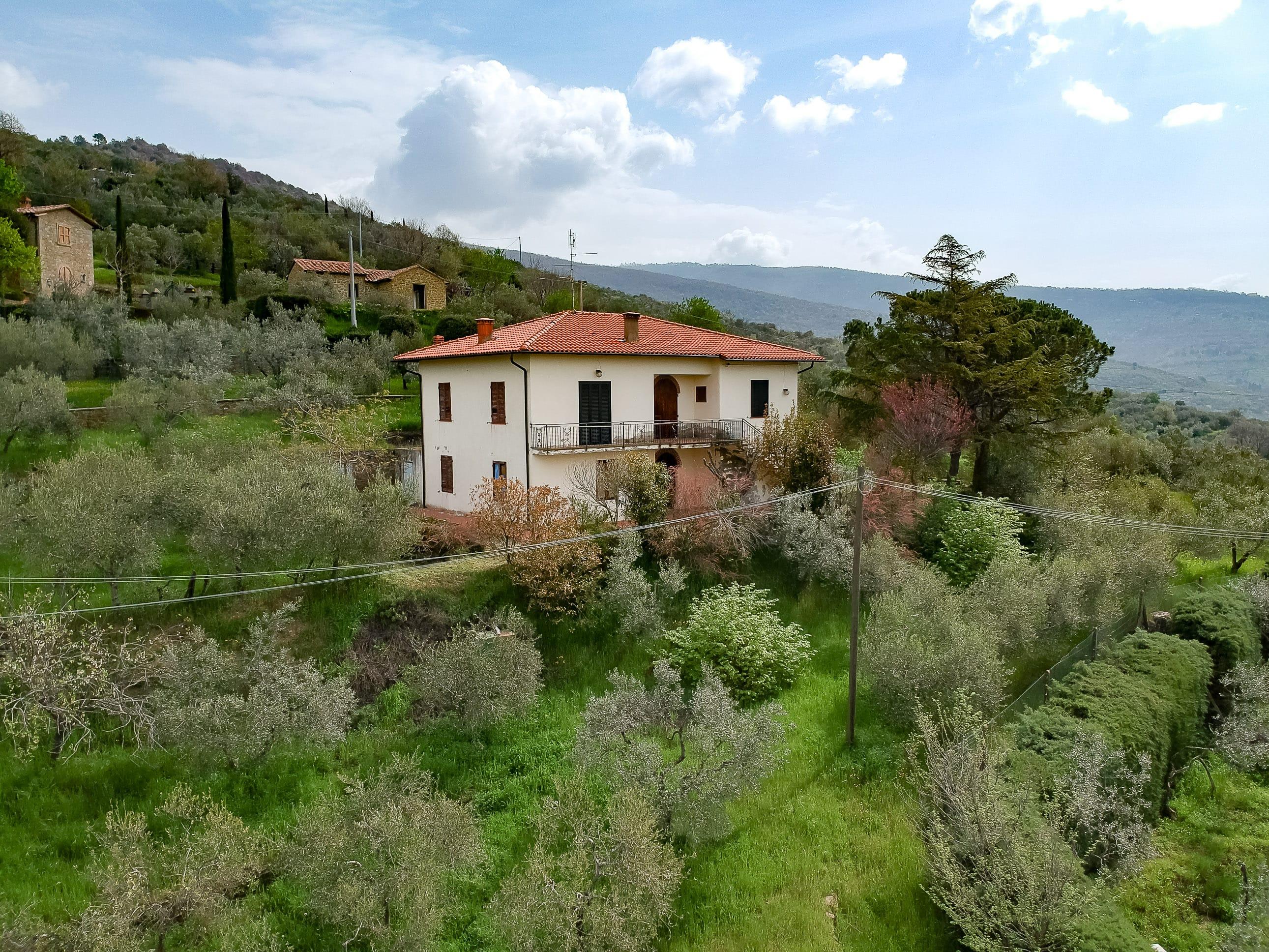 Casa indipendente in zona panoramica a Cortona