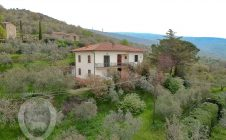Detached house in a panoramic area in Cortona