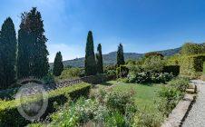 Colonica secolare con vista su Cortona e piscina.