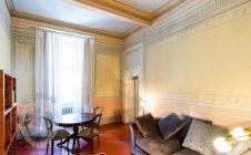 Bright frescoed apartment