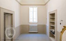 Renovated attic apartment in Cortona