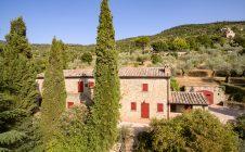 Farmhouse under S. Maria Nuova