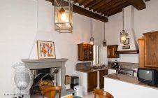 Appartamento con affreschi a Cortona