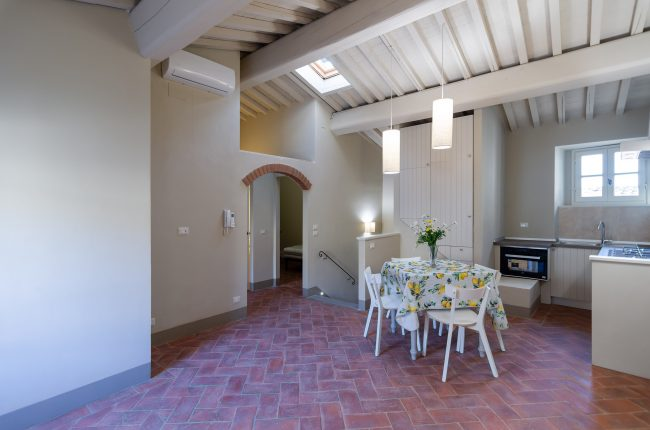 Bright apartment in the historic center of Cortona
