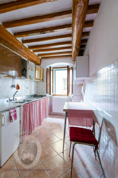 Apartment in a very central location with 3 bedrooms 2 bathrooms