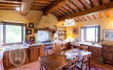 Bellissima casa colonica ristrutturata in in località Pergo